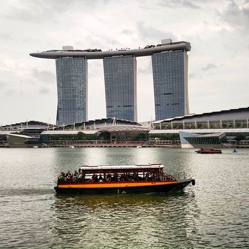 Not just cruises by the Bay! :-P Singapore Downtown Businessdistrict Marinabay Marinabaysands Buildings Architecture Resort Posh Marvels Megastructures Gongxifacai  Skyline Cruise Tourists
