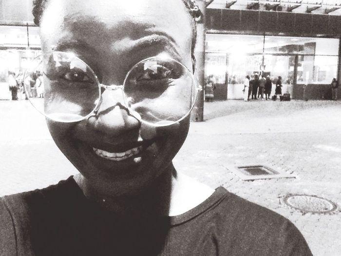 Smilesalltheway 😸😅