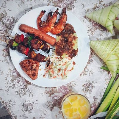 Last night's BBQ Homemade food is love made visible 😄. 9:00pm | 25.07.15 Vscocam Vscomalaysia Foodvsco Igersmalaysia Igersmalaya Fantastic_igers Mymobilephoto Mobilephoto3 Foodjourney Foodlover Foodgasm Foodfreak Flatlay Flatlays Flatlaystudio Tablesituation Onthetable Eid Eid2015 Fouryu