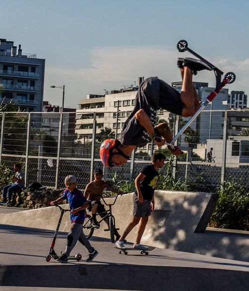 Sport City Young Adult Motion Outdoors Real People Tour-thecity.com Skaters Skateboarding Hanging Out Hello World Freedom Kids Being Kids Travel Photography Skateordie City Tourism The Street Photographer - 2017 EyeEm Awards