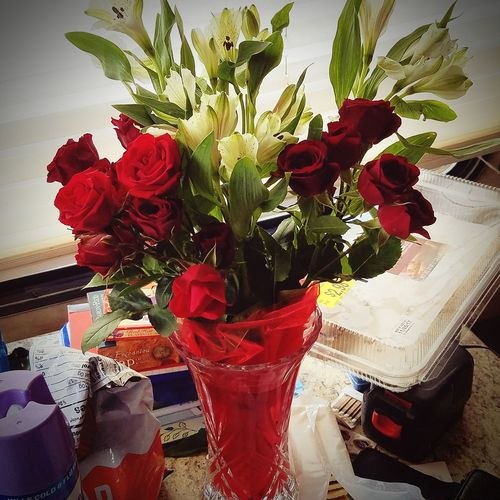 Roses Beautiful Love ♥ Sweet Moments Sweetheart Lovely No Reason. Just Because Flower Vase Table Indoors  Rose - Flower Freshness Drink Bouquet Close-up Red Celebration Fragility Beauty In Nature Flower Head