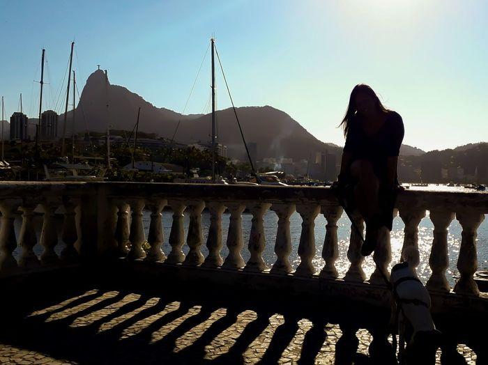 Domingando.... Brazil Dog J7primephotography Rio De Janeiro Sol Mar EyeEmNewHere Water Mountain Bird City Silhouette Sky Canine