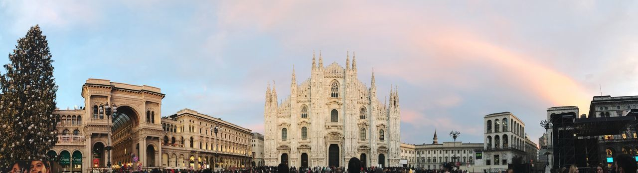 ~ Magical places are always beautiful and deserve to be contemplated ~ christmas tree Sky Porn Gothic Architecture Panaroma Italy Milan Built Structure Architecture Building Exterior Travel Destinations Tourism Large Group Of People Cloud - Sky Sky Travel Low Angle View Real People Outdoors Day Men City People The Traveler - 2018 EyeEm Awards The Traveler - 2018 EyeEm Awards The Architect - 2018 EyeEm Awards EyeEmNewHere