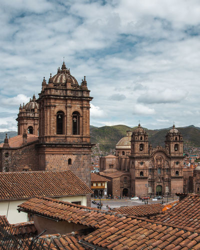 The beautiful view over Cusco. Andes Backpacking Cathedral City Cityscape Exploring Inca Latin America Architecture Belief Building Built Structure Colonial Day Discover  History Outdoors Place Of Worship Religion Roof Roof Tile South America Spirituality Travel Destinations Urban The Great Outdoors - 2018 EyeEm Awards The Traveler - 2018 EyeEm Awards