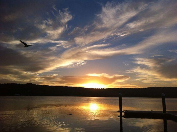 Magic Hour Golden Hour #sunset #sun #clouds #skylovers #sky #nature #beautifulinnature #naturalbeauty #photography #landscape Cercle D'or