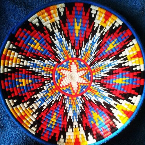 traditional thing from Ethiopia! ,handmade!! LOVE IT!!! Beautifulcolors Art Handmadeart Beautiful Awesome Coolstuff Handmade Tradition Ethiopia Ethiopiafeatisrael Israelandethiopia Loveart Happyday Feelingood !!! Lovely Loveit