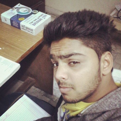 Doing Study Acchhe Bche 😊📑
