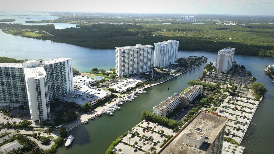 Sunshine State Florida Cityscape Bigbuildings Intracoastal Waterway Canal Marina Boats Landscapes With WhiteWall Here Belongs To Me The Architect - 2016 EyeEm Awards