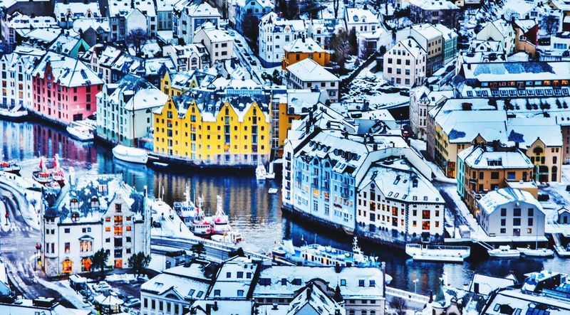 My Town Check This Out Hello World Ålesund, Norway Norway Opplevålesund Enjoying Life Bhullarsworld Alesund Aalesund Visitnorway Fort Bhullar Hello World Norge Ålesundkommune Aalesundkommune Stråleby House Of Bhullar Cheese! Taking Photos Capturing Freedom Check This Out