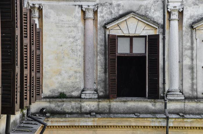 Architecture Architecture Building Exterior Built Structure Italia Italy Mantova No People Outdoors Palazzo Ducale, Mantova Window