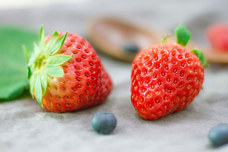 Red Fruit Food Close-up Freshness Healthy Eating Day Green Color No People Indoors  Food And Drink Strawberry Berry Color