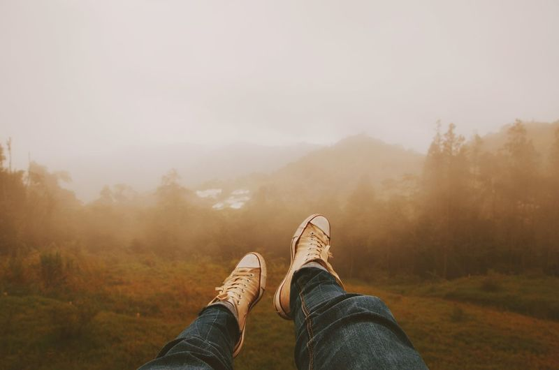 Adult Adults Only Beauty In Nature Canvas Shoe Day Fog Foot Human Body Part Human Leg Leg Limb Low Section Men Mountain Nature One Man Only One Person Only Men Outdoors People Shoe Sky Space Winter