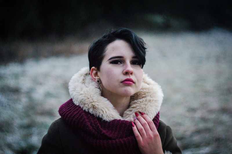 Posing Helios Cold Winter VSCO Vscocam Vscolithuania Nocrop Tumblr Bokeh Nature Naturephotography Colourful Nikon Nikonphotography EyeEm Selects Nikon D3200 Evening Forest Photoshoot Girl Model Modern Autoportrait Young Women Portrait Beautiful Woman Red Close-up Thoughtful