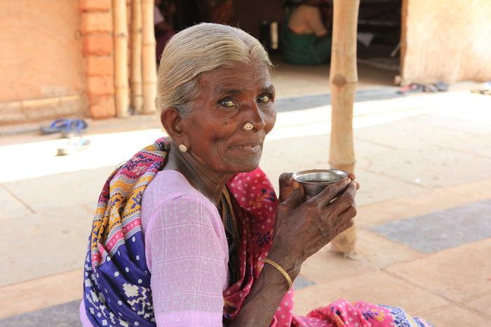 Faces Facesofwomen Leisure Activity Looking At Camera Lookintomyeyes Potraits Real People Senior Women