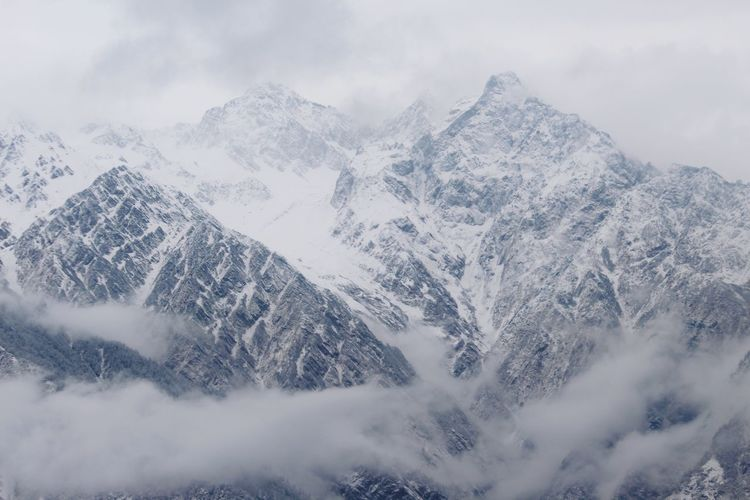 the view of mountain.. EyeEmNewHere Snow Mountain Cloud - Sky Winter Snowcapped Mountain Mountain Range Beauty In Nature Nature Scenics Outdoors