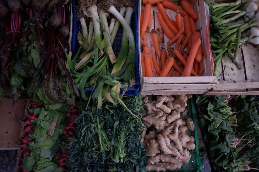 Vegetables & Fruits Vegetables Leaks Carrots Ginger Day No People Market Abundance Food And Drink Food Plant Part Vegetable Plant Green Color Leaf Large Group Of Objects For Sale Healthy Eating Freshness Wellbeing High Angle View Choice