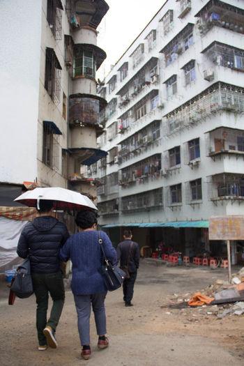 EyeEm Best Shots Building People Rainy Season Rear View Street Streetphotography Walking