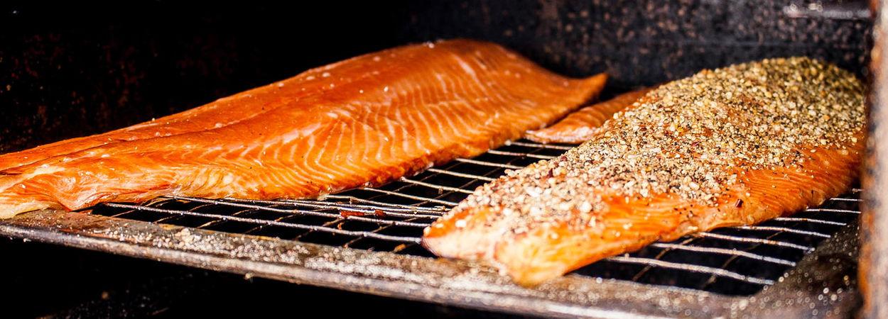 Bruinisse [NL] Fisherman's Days 2017 Salomon Smoke Smoking Fish Cooking Stove Filet Filets Filetandsalmon Food EyeEm Selects Foodstall Market Stall Food Stories