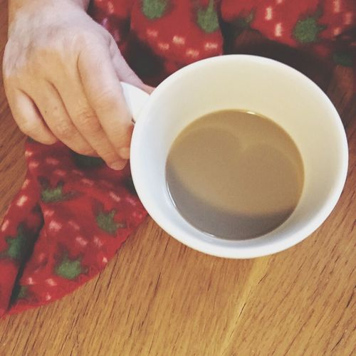 Food And Drink Real People One Person Human Hand Table Food Drink Indoors  Ready-to-eat Breakfast Sweet Food Sweet Breakfast  Chocolate I Love Chocolate Dark Chocolate ♥ Darkchocolate With Almond Warm Colors Warm Atmosphere Christmas Time Red Warm Clothing 😄🌷🌞☕️ Una Foto Al Giorno Me And My Coffee Christmas Mug