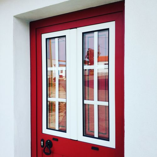 Knock on the door The Graphic City Window Door Built Structure Architecture Building Exterior Old-fashioned Red Multi Colored Outdoors