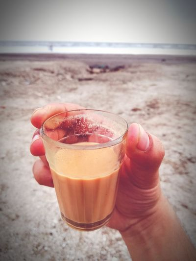 Chai Human Hand Sea Drink Beach Alcohol Cocktail Drinking Glass Sand Holding Summer