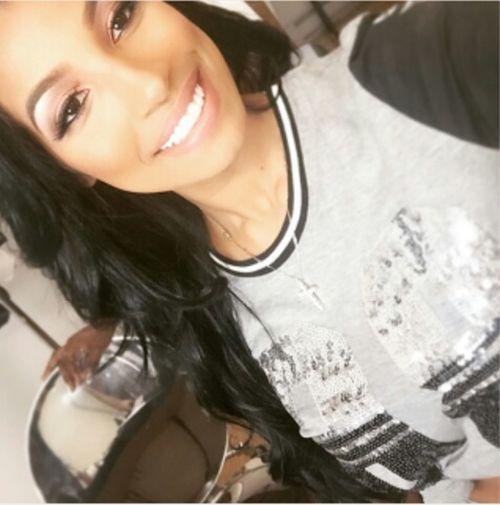 Smile ✌ Family❤ Passear Filha ♥ Compras Iupiiiii 😜❤☺😁😝🙌🙋🙆😻😹💃💅💇💪💋❤👍👠👗👑