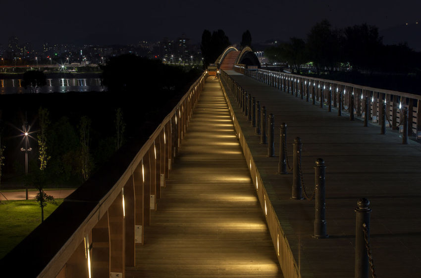 Boardwalk Calm Dark Diminishing Perspective Empty Growth Illuminated Long Narrow Nature Night No People Outdoors Pathway Seonyudo Seonyugyo Sky The Way Forward Tranquil Scene Tranquility Tranquility Vanishing Point Walkway Walkways  Yanghwa Hangang Park