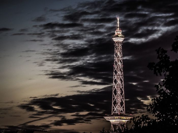 Berliner Funkturm Nightphotography Night Needle Funkturm TV Tower Tv Tower Berlin Architecture Built Structure Tower Tall - High Sky Cloud - Sky Building Exterior Travel Destinations City Communication No People Illuminated Outdoors Travel Tourism Building