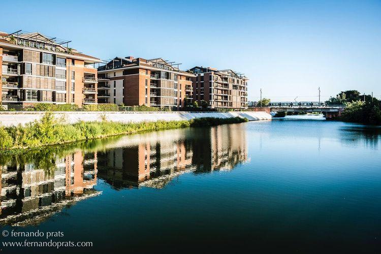 Colour Of Life Tolouse Reflections Garonne