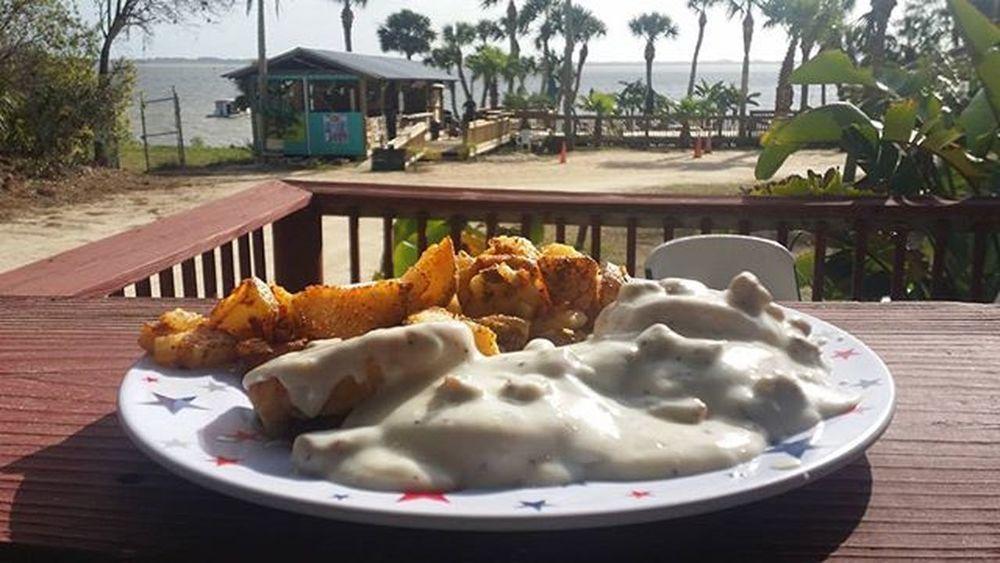 Awsome breakfast, incredible view. Oldfloridagrill Oldfloridagrillandoysterhouse Florida Sharpes Cocoa Saltlife HistoricCoastCulture Breakfast BiscuitsandGravy
