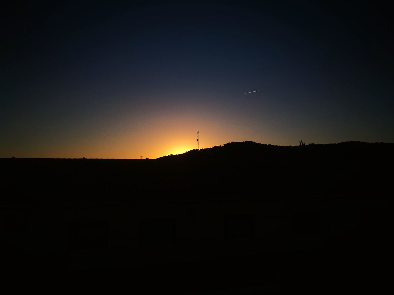 silhouette, sunset, nature, no people, landscape, beauty in nature, scenics, sun, mountain, sky, outdoors