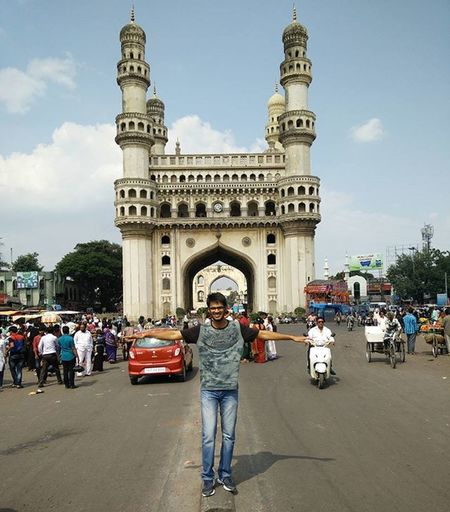 "Third trip to the ""city of pearls"". The charm and symbol of Hyderabad- Charminar. It was the last stop out of 10 destinations in one day. Hard to achieve but wouldn't have been possible without @anudeepreddy17 Solotrip Firststop Hyderabad Secunderabad Charminar Pride Of Hyderabad Oldcity Oneday Voyage Onemonth Three States Southcentral India Lifelong Memory"