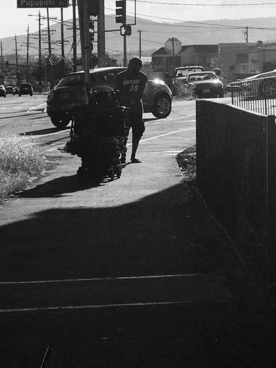 Man with cart Streetphotography EyeEmNewHere Hawaii