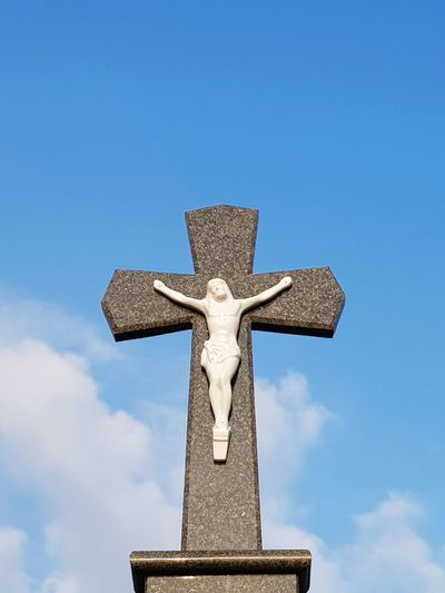 cruz Statue Sculpture Cross Religion Memorial Grave Crucifix Sky Monument Mosaic War Memorial Cross Shape National Monument Triumphal Arch Cemetery Civilization Tombstone Mausoleum Swiss Flag Ancient Rome Pedestal Place Of Burial The End Gravestone Tomb Death Male Likeness Graveyard Human Representation