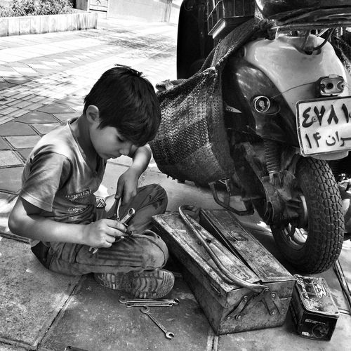 B&w Street Photography repost for the mission