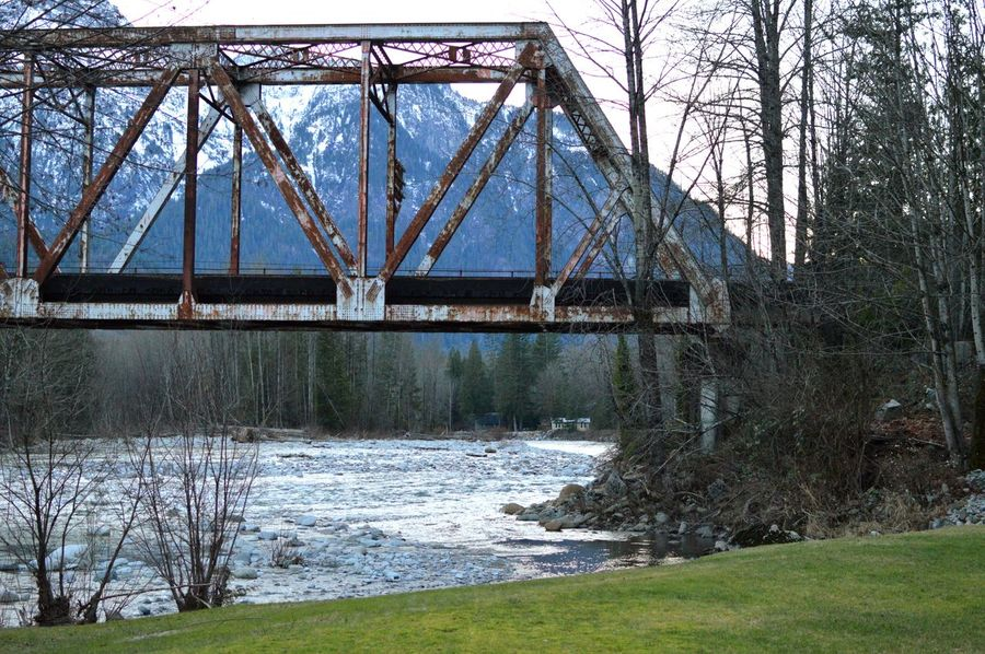 Scenics Green Mountain Bridge Picturesque Washington State PNWonderland Nature_collection Snowcapped Mountain Peaceful Beauty In Nature No People Tree Water Bridge - Man Made Structure River Architecture Bridge Riverbank