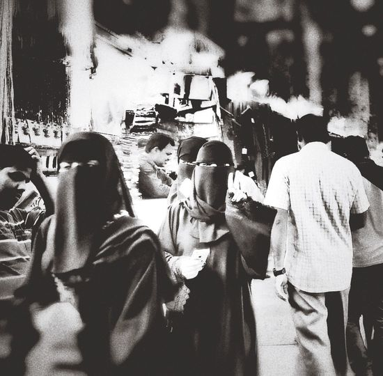 Doha Doha Qatar Doha,Qatar Abaya Abaya And Hijab Times Souk Doha#City#❤ Dohalife Victory Blackandwhite Black And White Blackandwhite Photography Black And White Photography Black & White Blackandwhitephotography Doha By Night