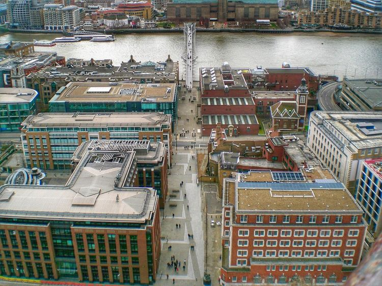 Looking down on London. Seeing The Sights London Riverthames River Thames City LONDON❤ Miniature Lookingdown Bridge Urban Landscape Residential District Building Office Building Structure People Small EyeEm Best Shots Peace ✌ EyeEm Amazing View Eye4photography  Eyeem Market Urban Lifestyle Pmg_lon