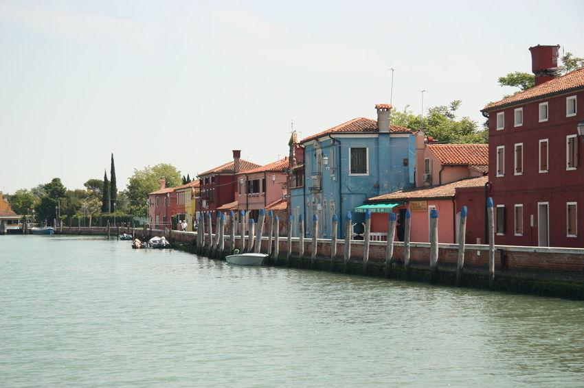 #arquitecture #building #Burano #canal #carnaval #color #colors #murano #veneza #Venice #Venezia #Italy #Italia #Europe Trekking #travelling #sightseeing