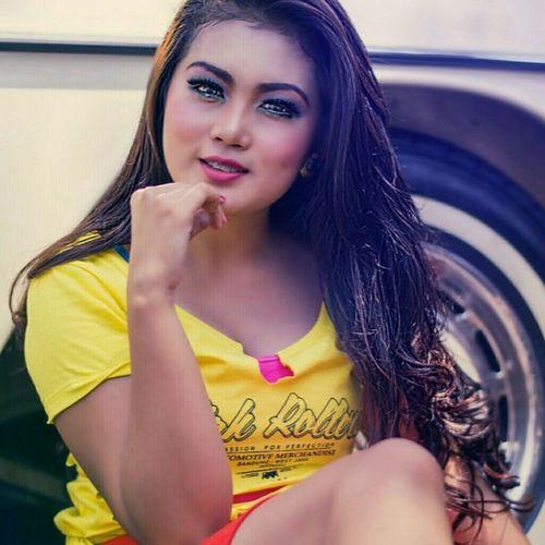 She yellow Taken by @agung_ady Locate @gedungsate, Bandung Event @bandunglautanphotographer Kamera @nikond5100 Postrpo @fotor_apps @facetune Hope u enjoy Portrait Model Beauty Instanusantaramodel Fotograferamatiran Nikond5100photography Potoaingkumahaaing