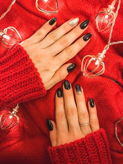 Red Jumper View From Above Flat Lay Black Nails Manicure! Christmas Lights Garland Fairy Lights Lights Winter Theme Red Nail Polish Nail Jewelry Human Body Part Ring Human Hand Hand Nail Art Women Human Finger Close-up One Person Arts Culture And Entertainment Finger Body Part Fashion Midsection Fingernail Adult