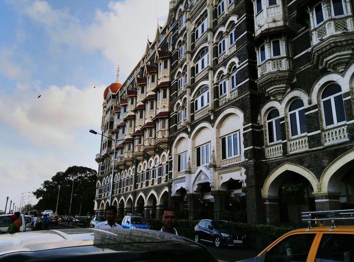 A remarkable and majestic hotel TAJ HOTEL.INDIA Usphotography Unmeshshirsath Mumbai Structures Gatewayofindia Tajhotel