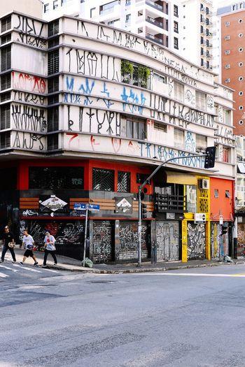 Showcase April Fellas down the street. The famous Augusta street in São Paulo. Skate Sk8 Graffiti Saopaulo Downtown Friends Friendship Street