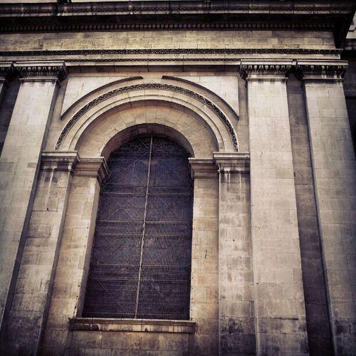 Arch Archedwindow Archedwindows Giantwindow giantwindows hawksmoor architecture stannes stanneschurch limehouse eastend eastlondon London
