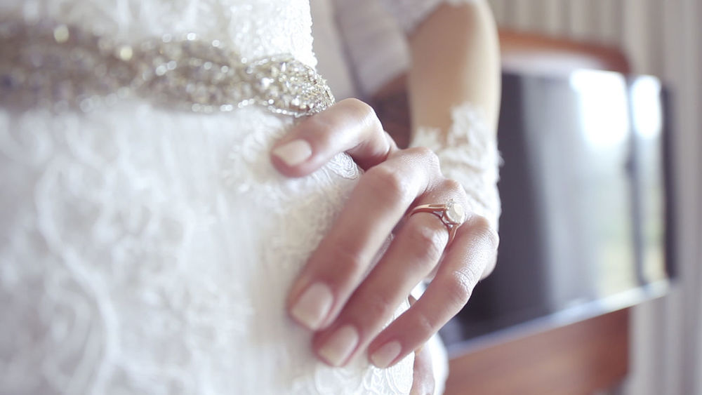 Love Wedding Wedding Photography Adult Boda Bride Brindis  Compromiso Hand Mariage Mariagephotographe Novia Novia Preparativos Preboda Ring Traje De Novia Vestido De Novia Wedding Day Wedding Dress