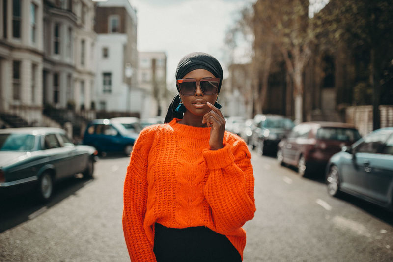 Modest fashion Maryam is a British-Nigerian university student and fashion blogger based in has built herself a strong voice and identity online on modest regularly writes about fashion, lifestyle and social media on her this series, I tried to capture Maryam's infectious smile, bright personality and equally colourful sense of fashion. London London Streets Modest Fashion Muslim Woman Fashion Blogger Fashion Photography Headscarf Orange Top Street Fashion Sunglasses