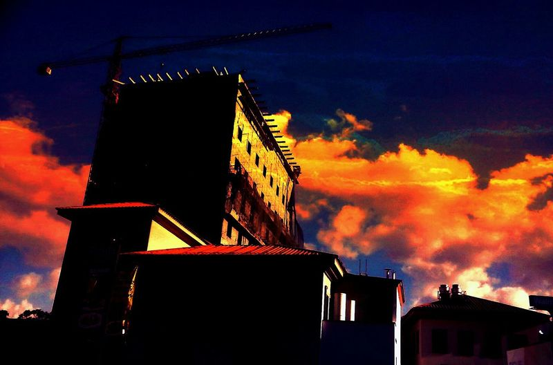Silouette & Sky Blue Wave Silhouettes Of A City EyeEm Best Shots - Landscape From My Point Of View Sky And Clouds City Landscape Landscape_photography Hello World Building Tadda Community City Street Light And Shadow Enjoying Life Playing With Filters Eeyemphotos Sunset Silhouettes Darkness And Light EyeEm Gallery Guatemala Building Exterior Construction Guat Colors Abstract Photography