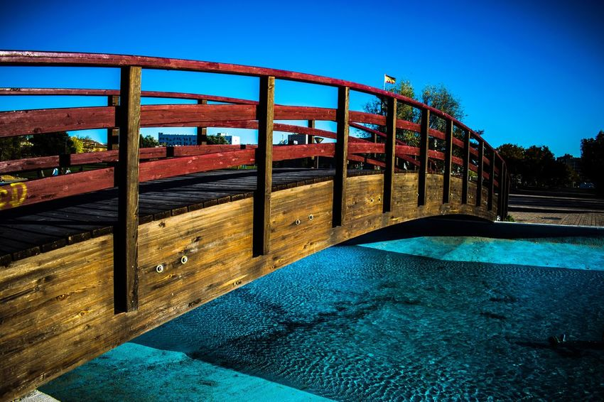 Puente sobre el lago Blue Clear Sky Built Structure No People Architecture Building Exterior The Way Forward Sky Outdoors Day Nature
