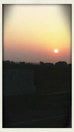 Roadtrip Taking Photos Rising Sun