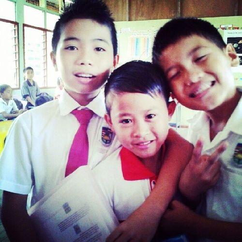 Cikgu rindu kamuuuuu.... ? 4bestari Throwback 2012 Skmagatang school repost